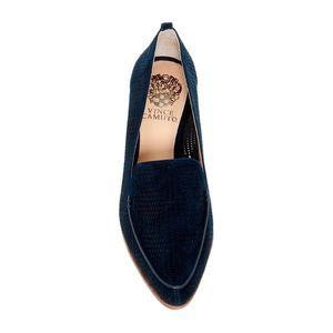 Vince Camuto Kade Loafer in Navy